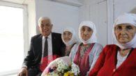 111 yaşındaki Ayşe nine: Eşeğimi kaybederim, neşemi kaybetmem